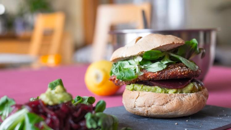 cookinmovie-falafel-burger-2