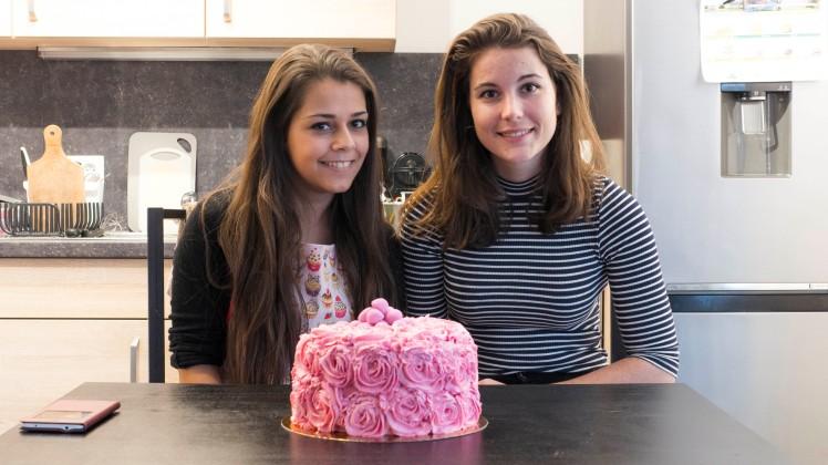 cookinmovie-rose-cake